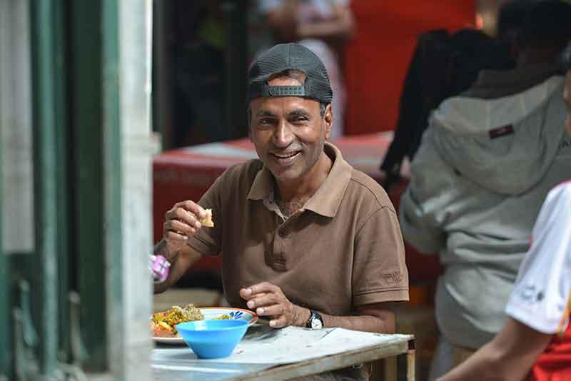 Mauritian Street Food 6 - Halim Haleem - cuisine de rue mauricienne - live in mauritius