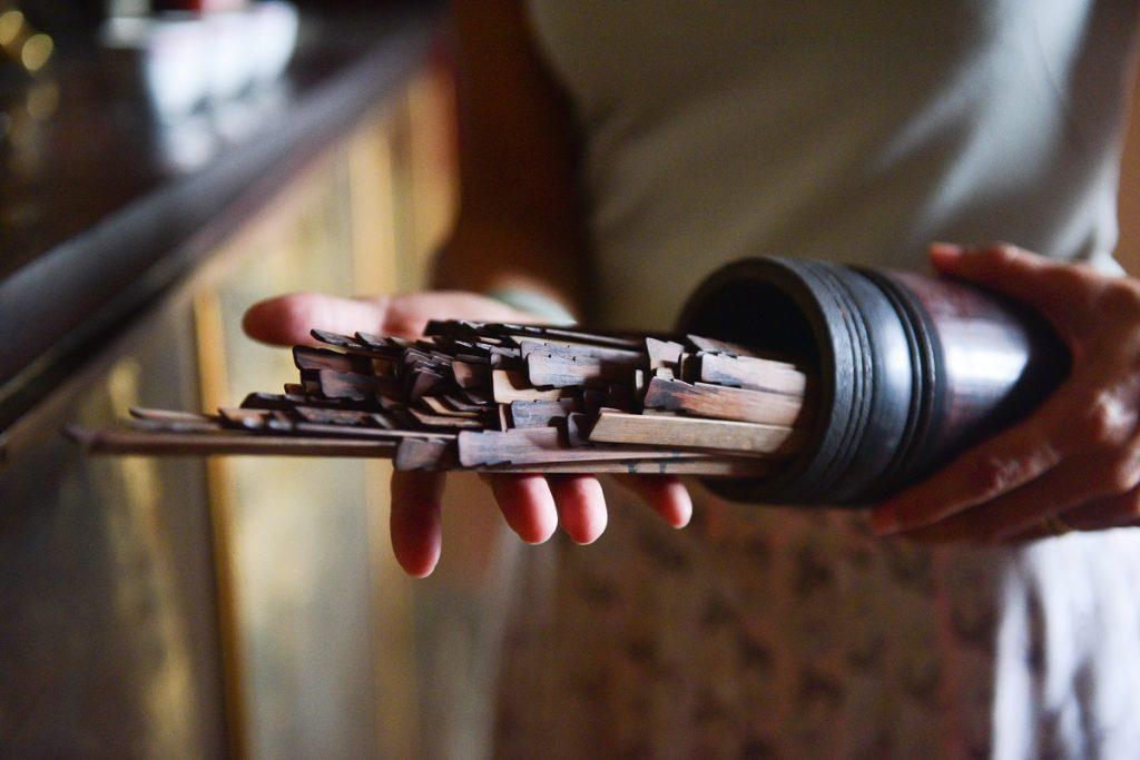 Dans une pagode - Inside a pagoda - Crédit photo : Gilliane Soupe pour my Moris