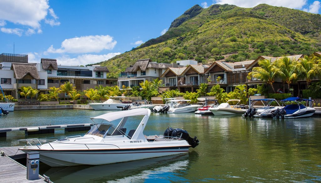 la balise marine, ile maurice, vivre dans un marina, posseder un bateau, cote ouest, west coast, vivire a riviere noire, investissement immobilier, immobilier de luxe